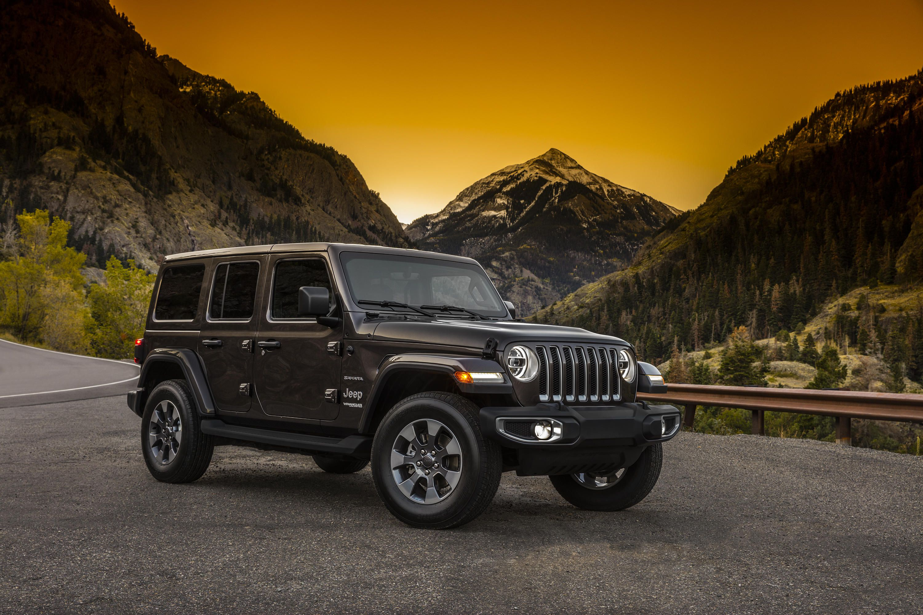 First Official 2018 Jl Wrangler Preview Images 2 4 Door In