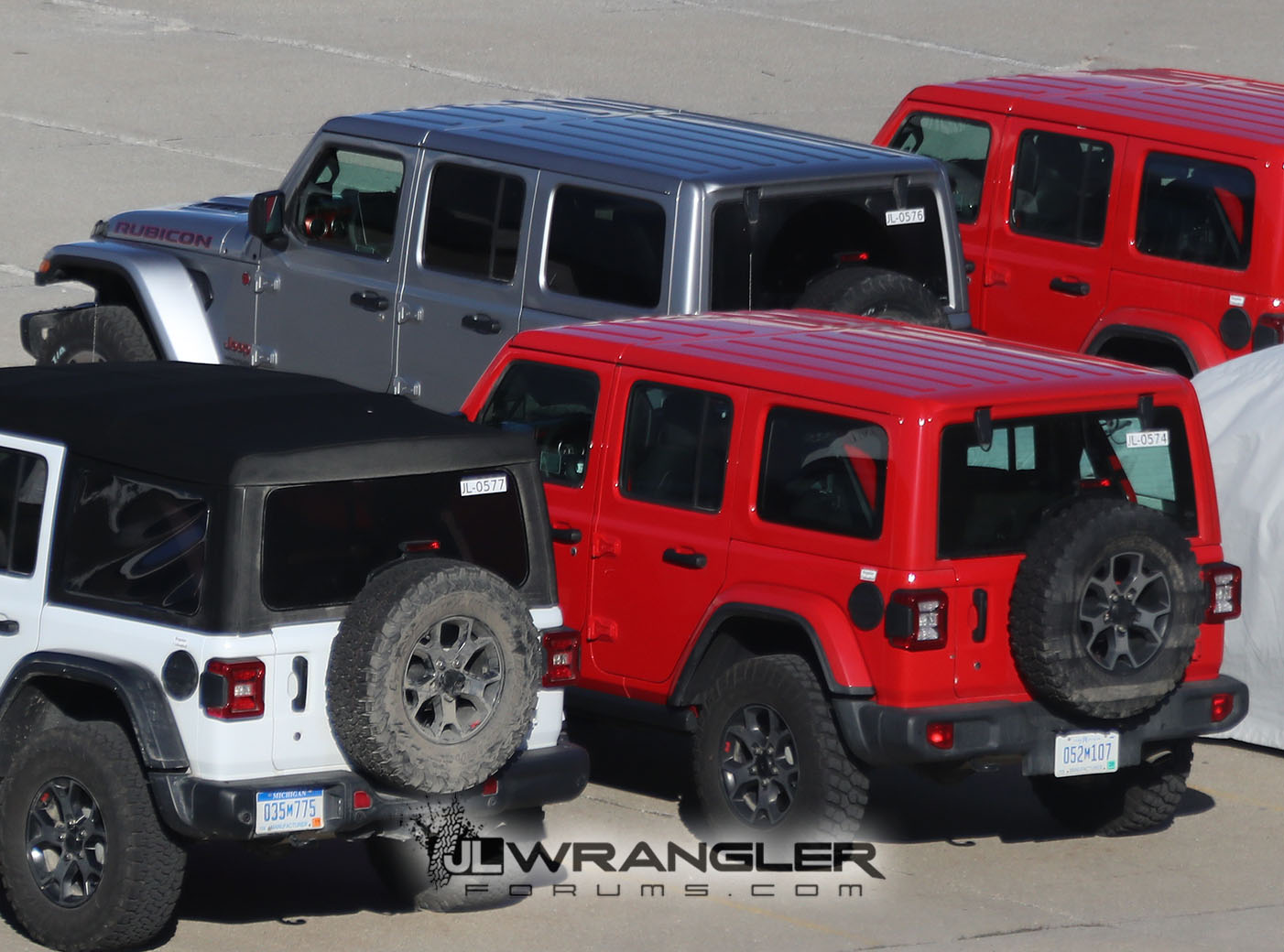 2018-Jeep-Wrangler-JL-JLU-Body-Painted-Color-Top-3-Red-Silver.jpg