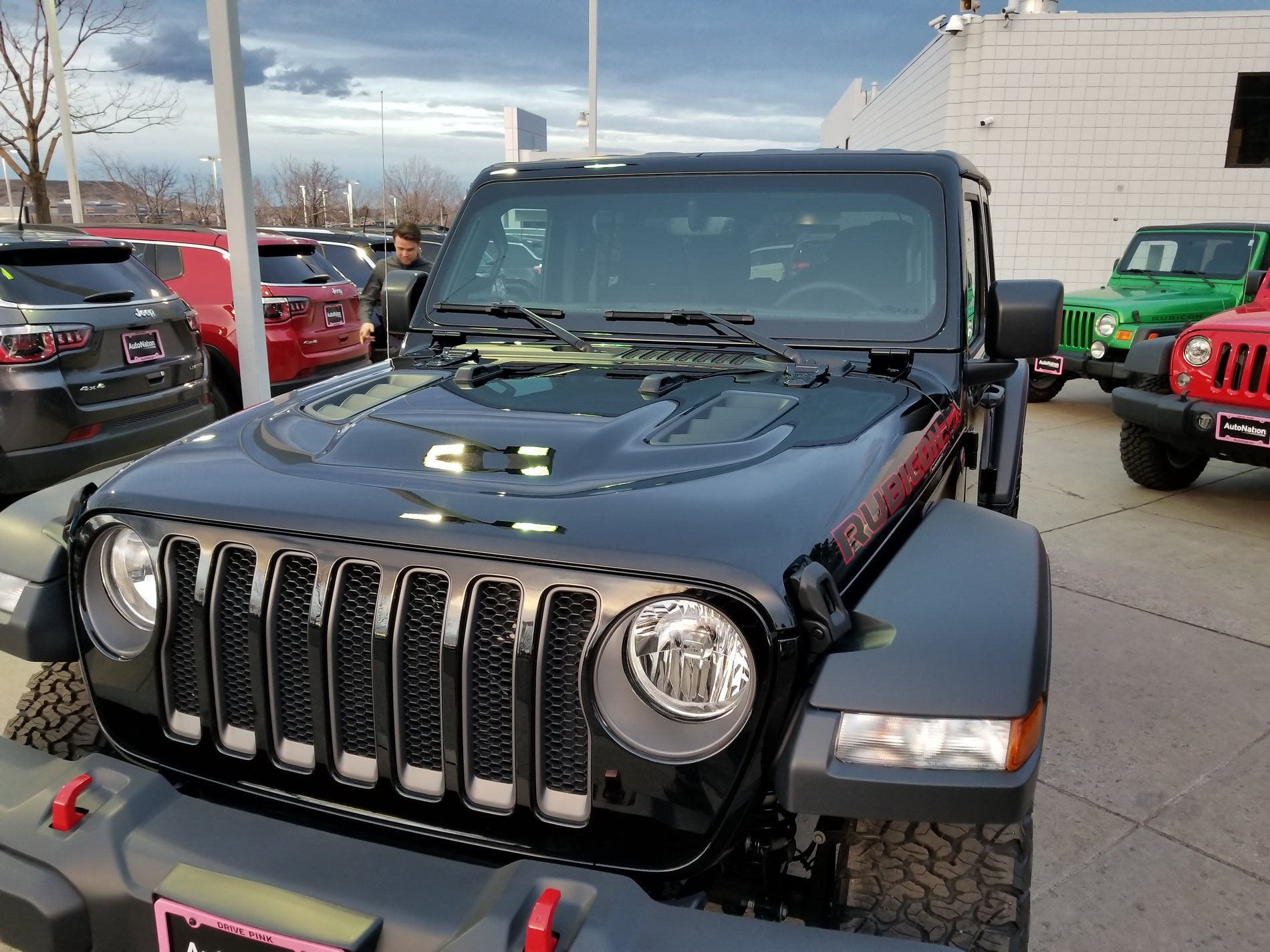 ORDER TRACKING for your Jeep Wrangler Page 670