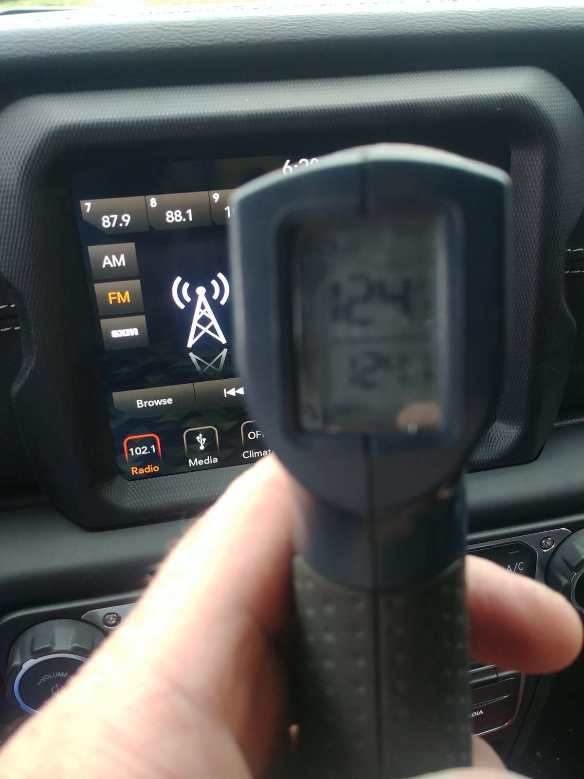 Excessive heat from uconnect screen | 2018+ Jeep Wrangler Forums (JL