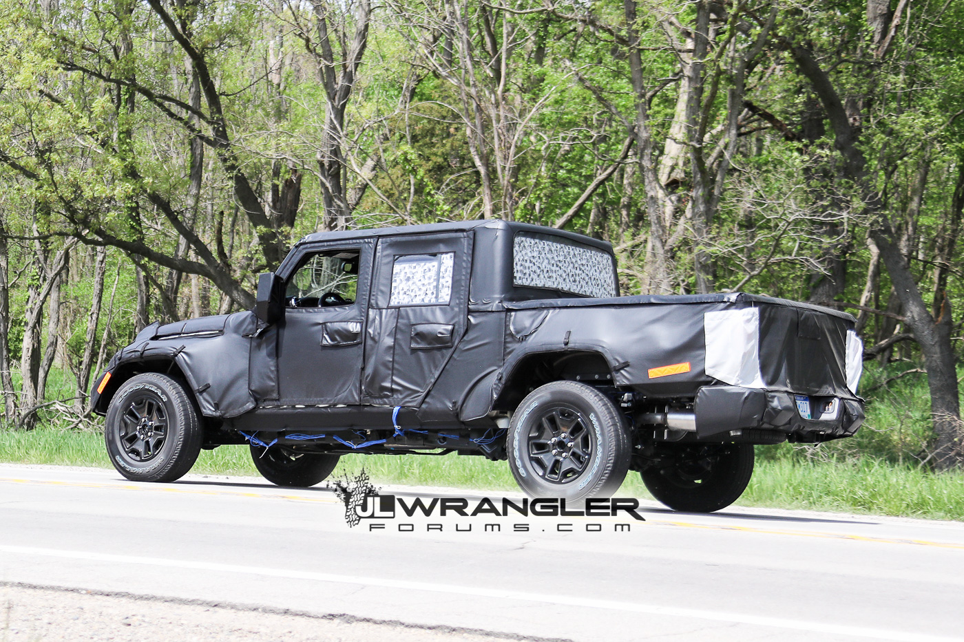 Jeep Rubicon 2017 >> JT Wrangler Truck Testing on Public Roads, Shows Spare Tire Mount | 2018+ Jeep Wrangler Forums ...