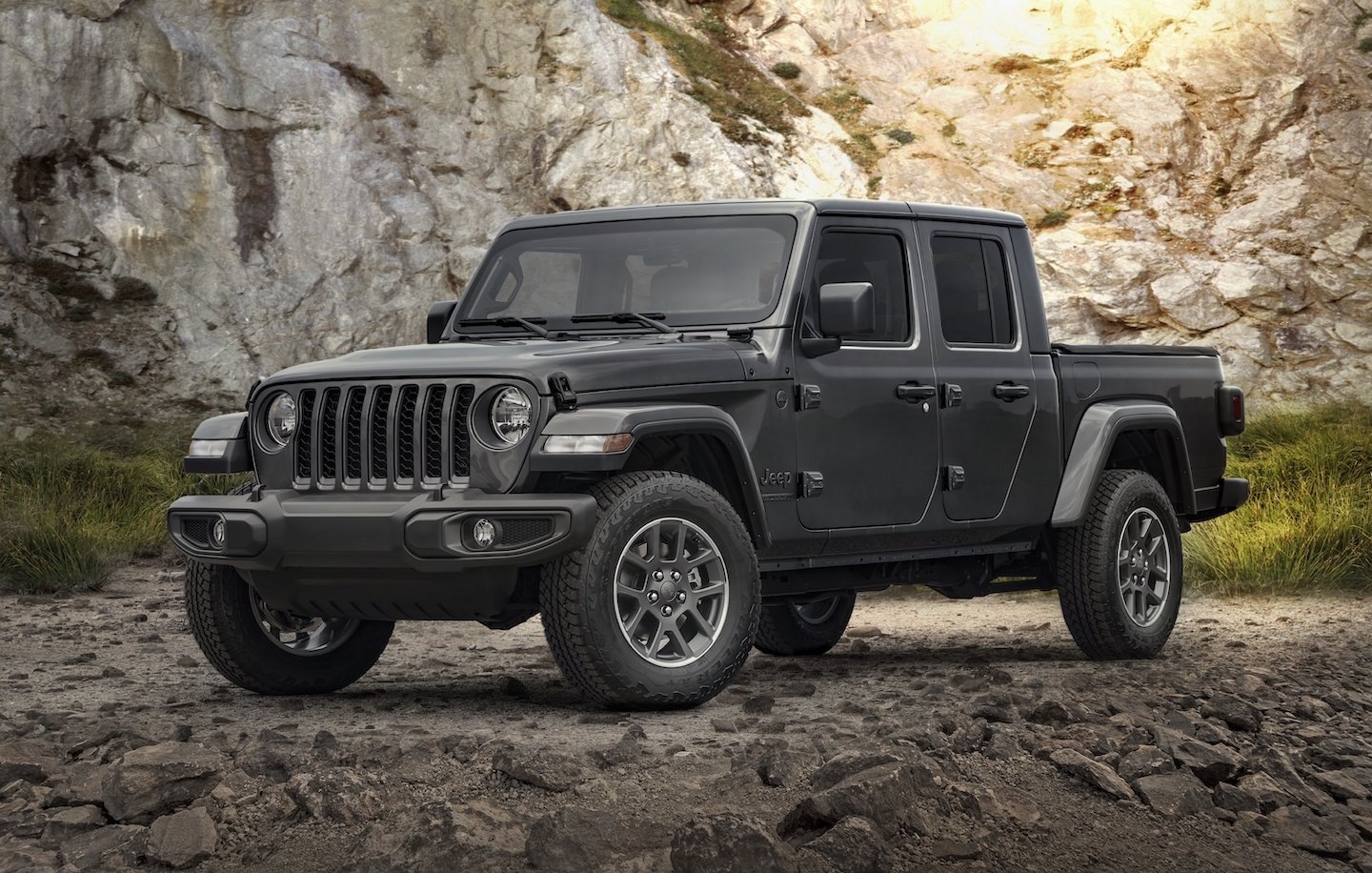 2021 Jeep Gladiator 80th Anniversary Edition.jpg
