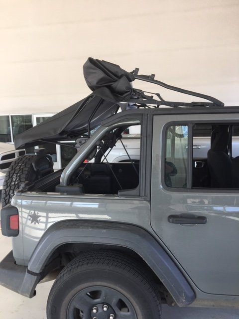 Soft Top Broke On Me 2018 Jeep Wrangler Forums Jl Jlu