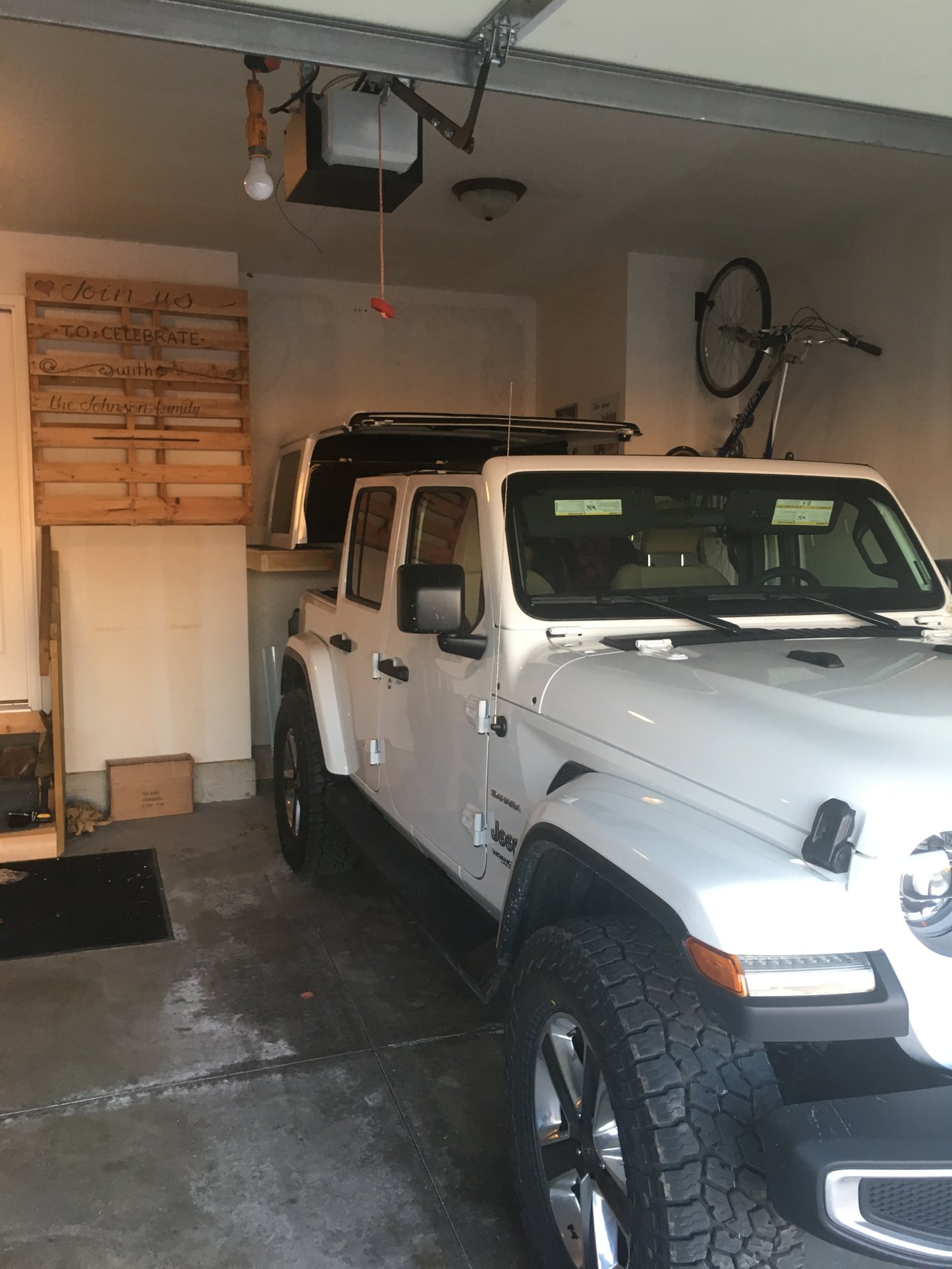 One Man Hard Top Removal 2018 Jeep Wrangler Forums Jl Jt