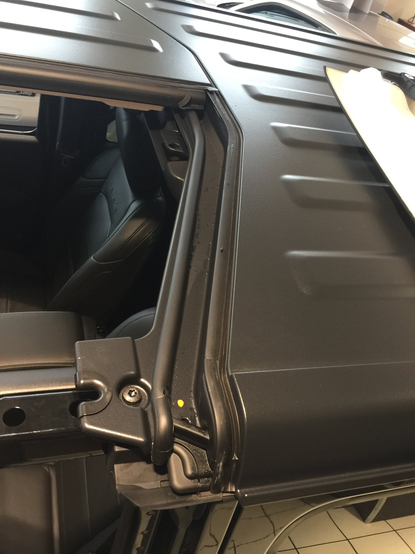 Freedom Top Water Seals Are Way Better 2018 Jeep Wrangler Forums Install Img 5066