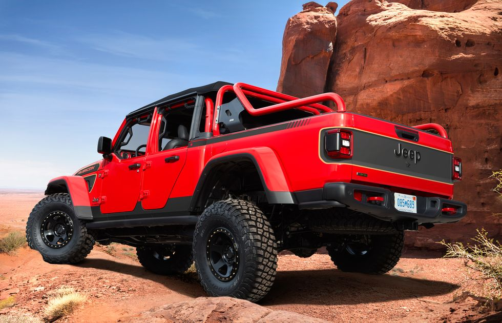 jeep-red-bare-gladiator-rubicon-concept-102-1616265563.jpg