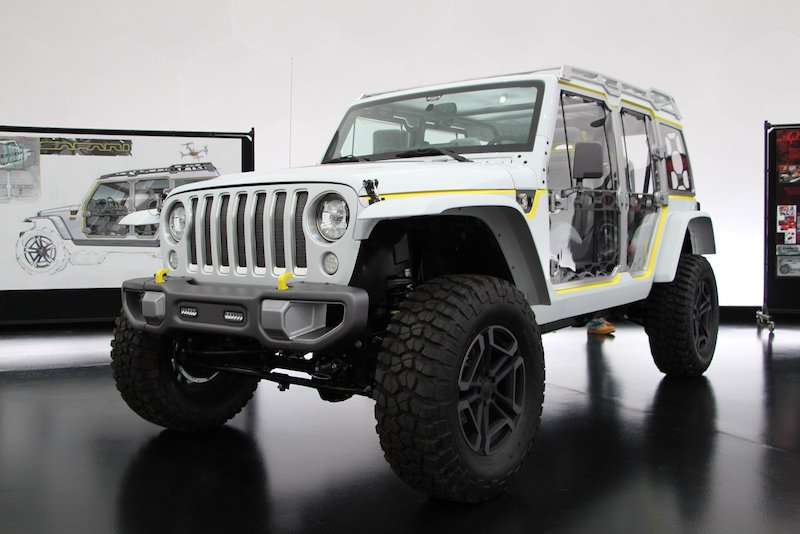 Would love to see MOPAR offer the Switchback cutout half doors or the clear half doors from the Safari Concept. & Half doors   2018+ Jeep Wrangler Forums (JL / JT) - Pickup Truck ...