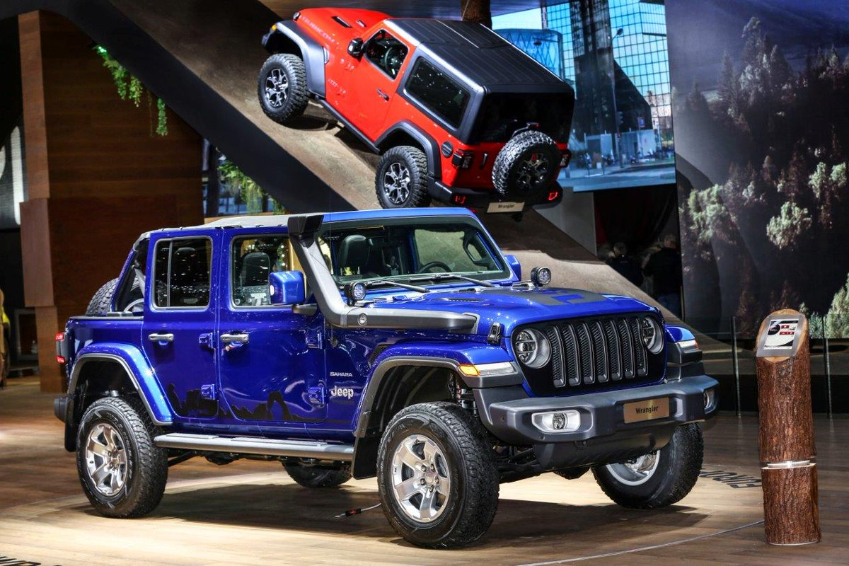 JL Wrangler in Ocean Blue With Mopar Parts at Geneva Motor ...