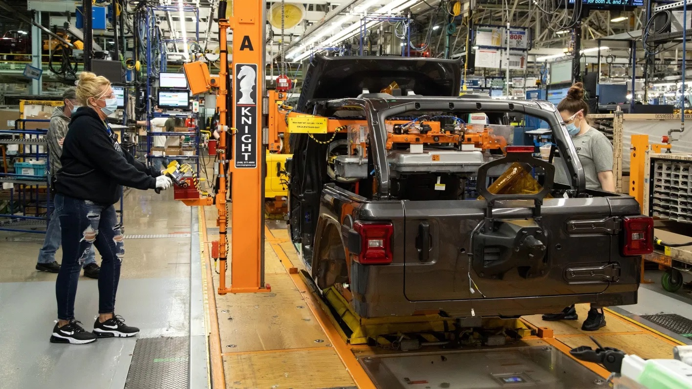 Production-launch-of-the-2021-Jeep®-Wrangler-Unlimited-4xe.-Jeep-2.jpg.jpeg