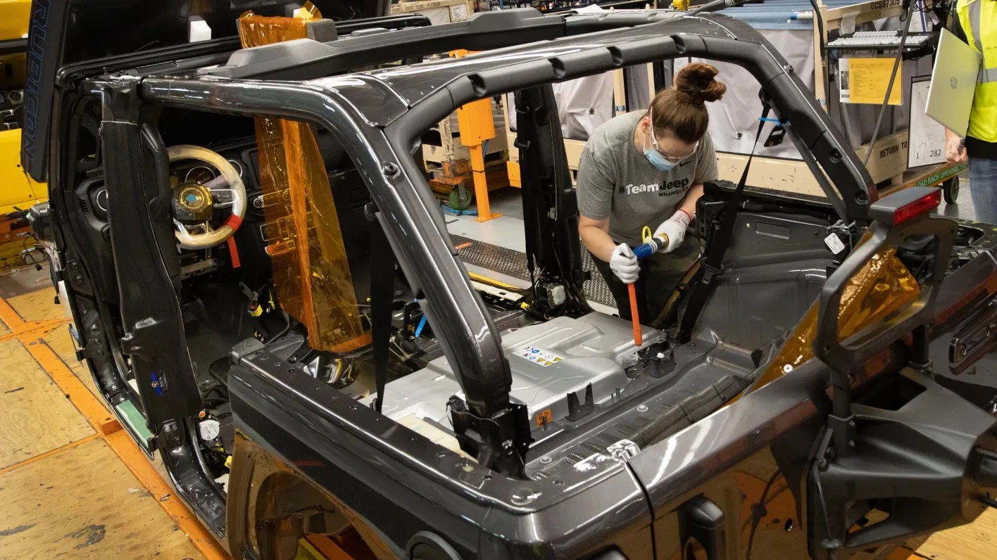 Production-launch-of-the-2021-Jeep®-Wrangler-Unlimited-4xe.-Jeep-3.jpg.jpeg