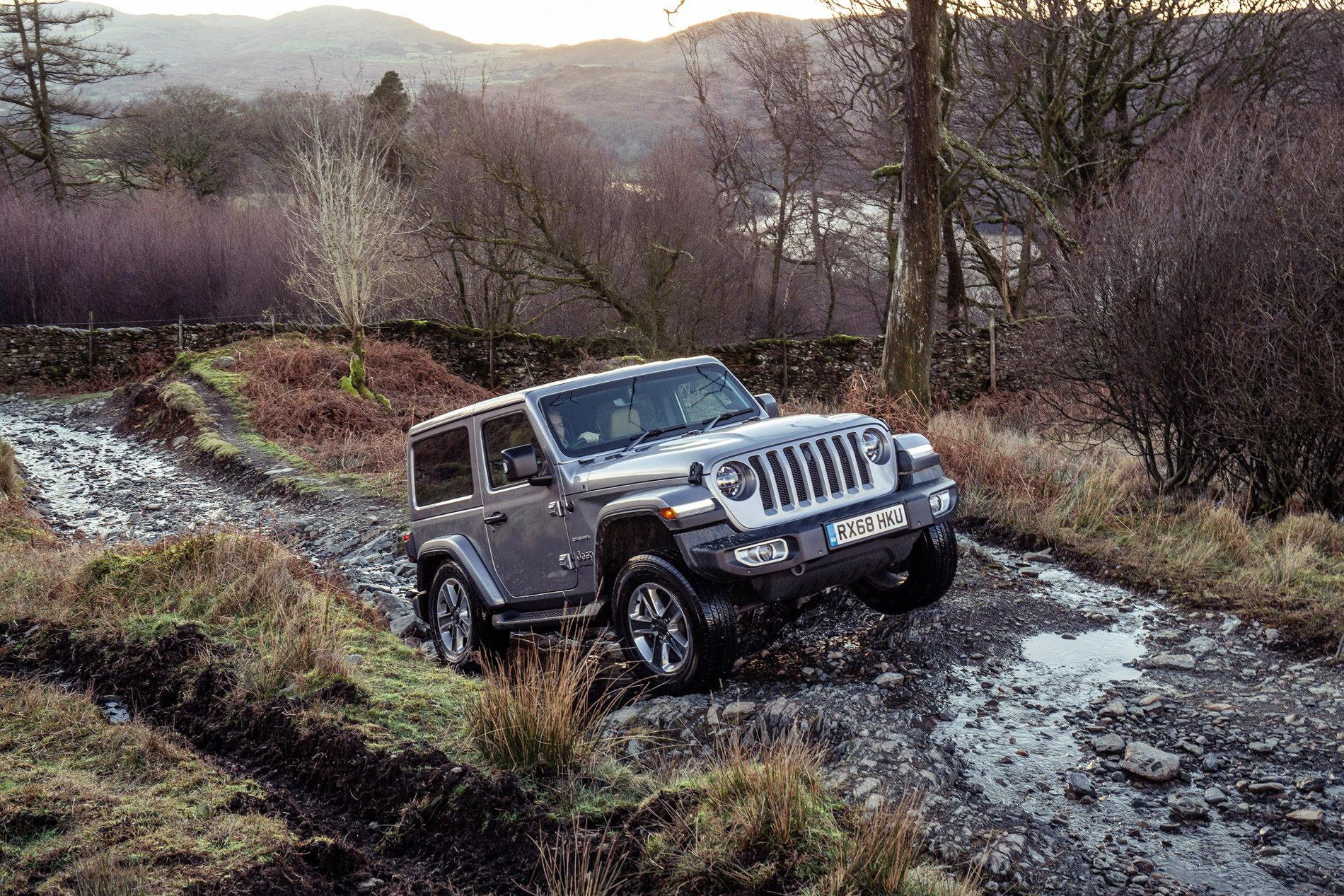 UK-2019-Jeep-Wrangler7.jpg
