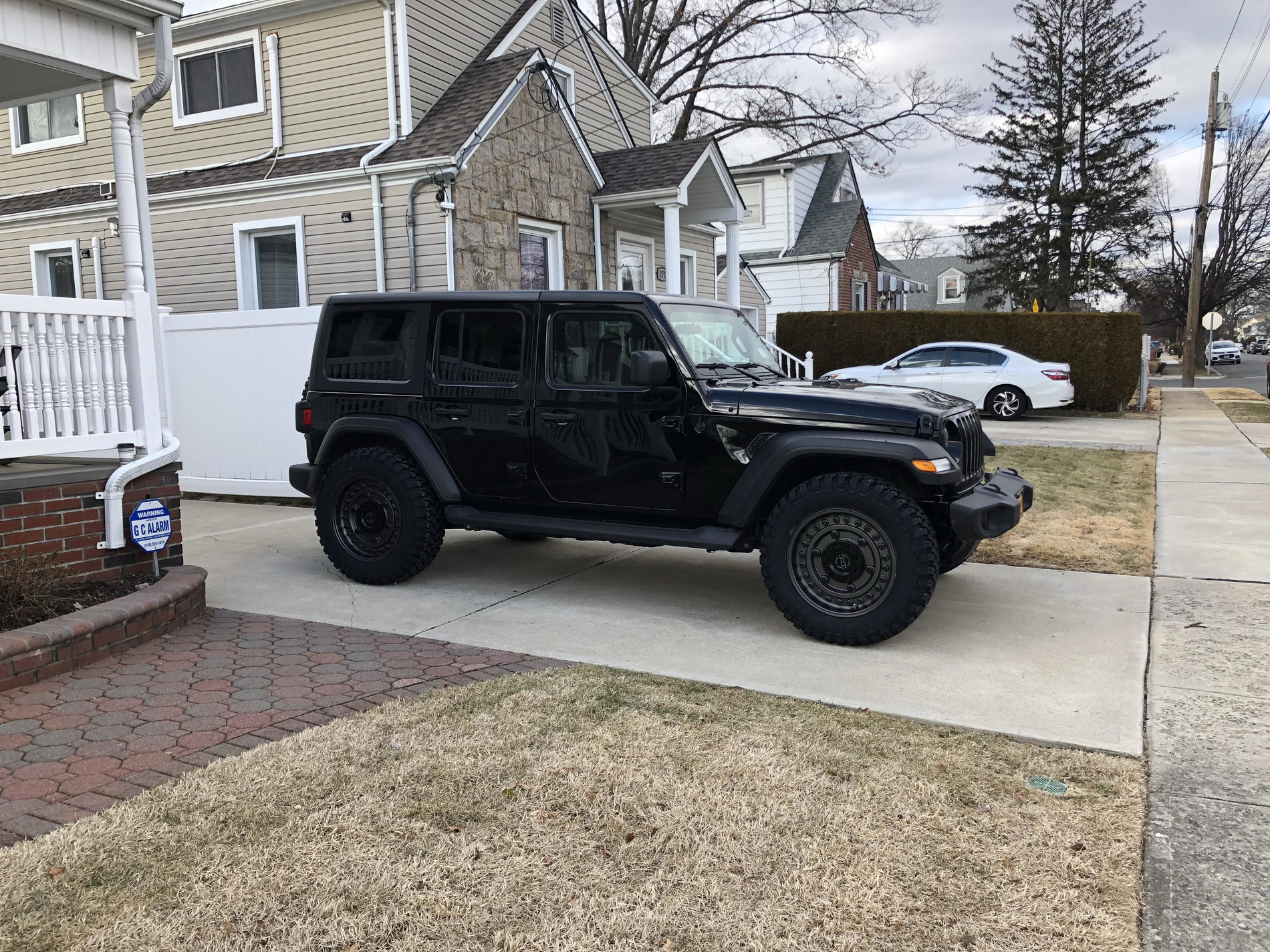 Jl Sports S 35 Inch Tires No Lift 2018 Jeep Wrangler Forums Jl
