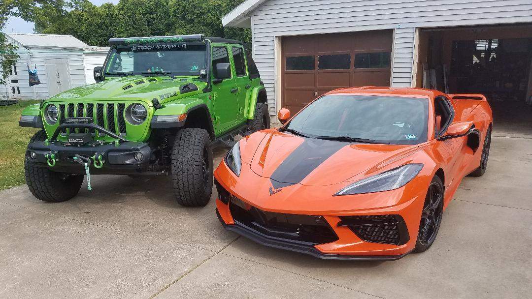vette and jeep pic..jpg