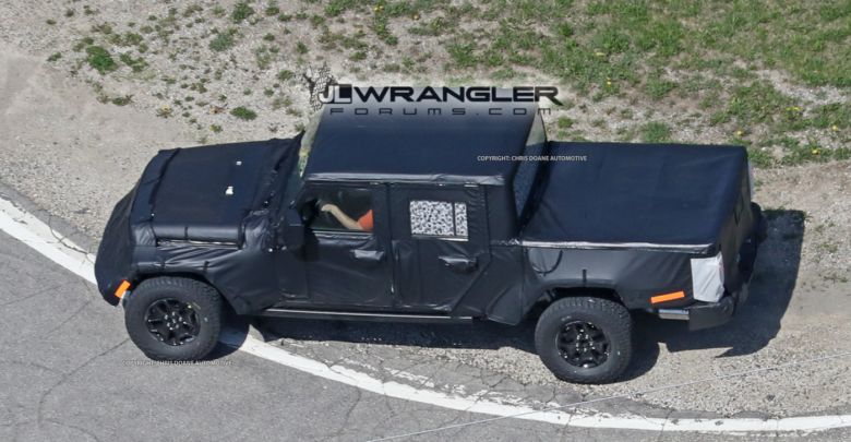 Jeep With Truck Bed >> Jeep Pickup Jt Spied With Production Intent Bed 2018