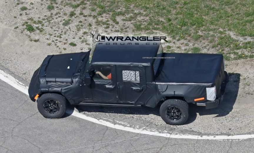 Jeep Wrangler Pickup Truck (JT) With Production Bed Size