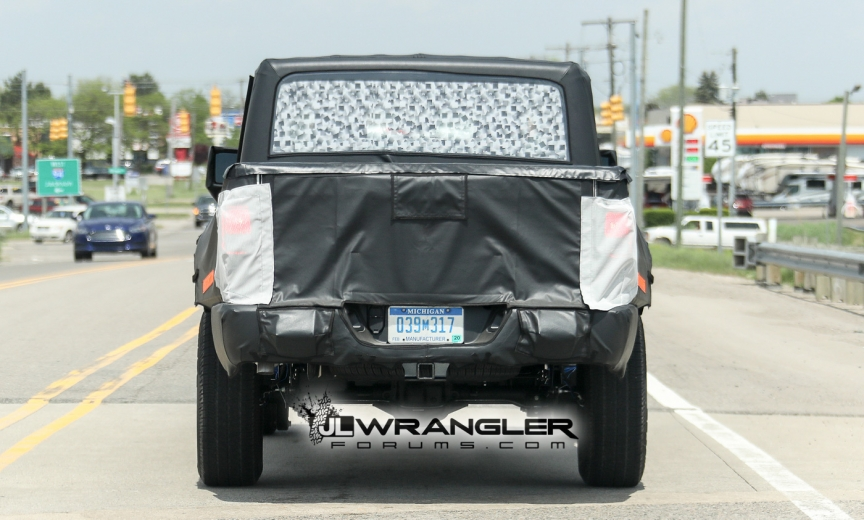 Jeep Wrangler Truck Caught Testing On Public Roads, Shows Spare Tire Mount