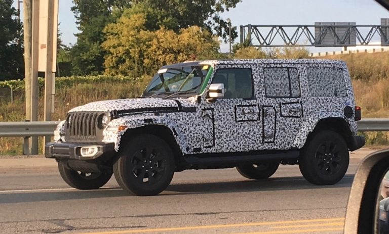 2018 Jeep Wrangler Unlimited (JLU) in Green