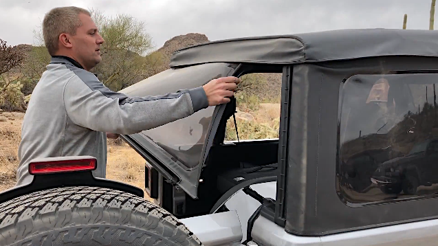 Demo: Soft Top And Hard Top Panel Removal On The 2018 Jeep Wrangler JL