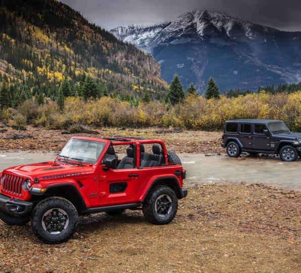 2019 Jeep Wrangler: First 2019 Jeep Scrambler Pickup (JT Wrangler) Video