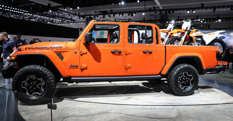 what we saw and learned about the jeep gladiator at its world debut